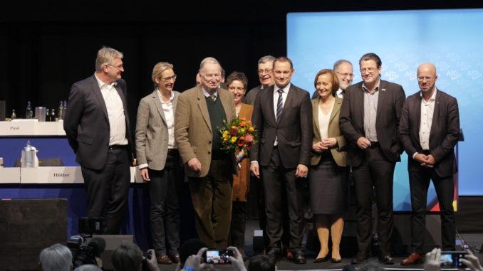 Der neue Bundesvorstand 2019 und der Ehrenvorsitzende Dr. Gauland